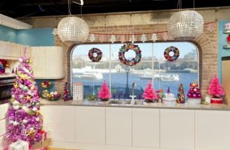 This Morning Live on ITV1 7th December 2011. Presented by Phillip Schofield and Holly Willoughby