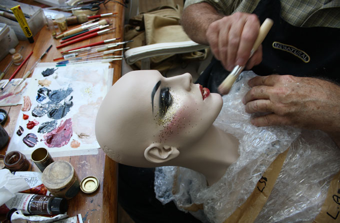 mannequin make up hero