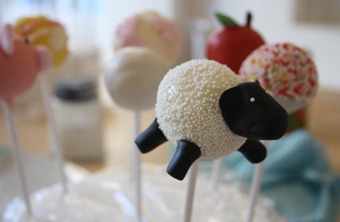 Decorating Cake Pops Uk : CAKE POP CLASS - Laura Ashley Blog