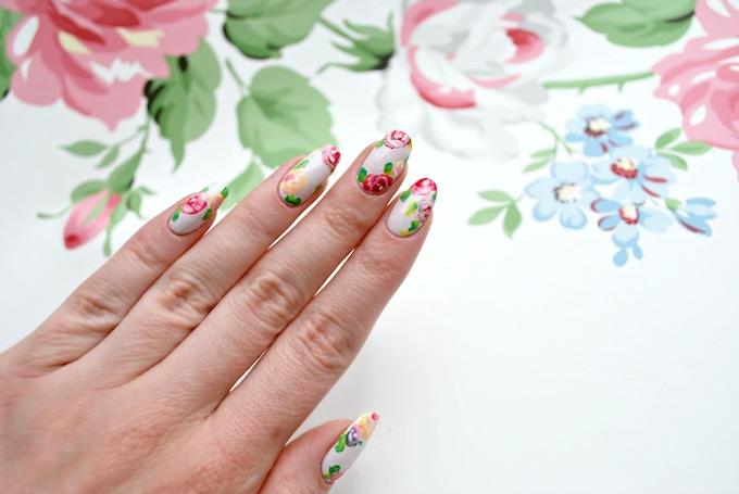 Hero - how to blossom nail art