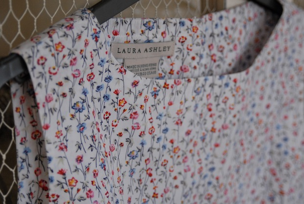 LAURA ASHLEY FLORAL TOP 2