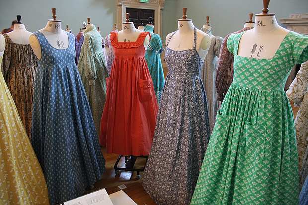 The Por Laura Ashley Sundresses Of 1970 S Mixing Rural Ism With Modern Day Trends E G Halter Neck Style