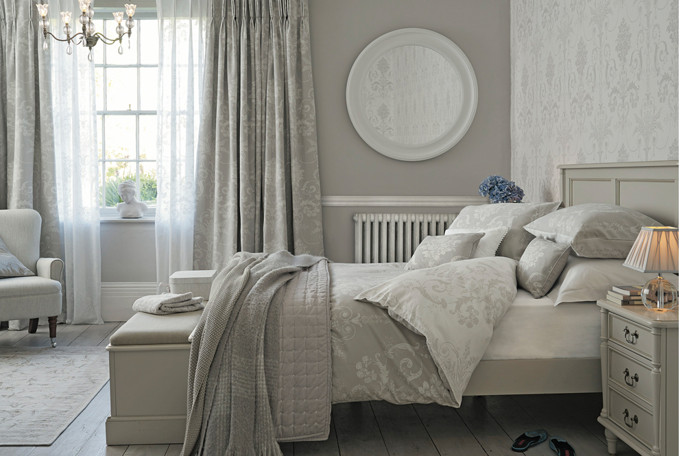 Josette Dove Grey Bedlinen / Majesty 5 Arm Chandelier / Alena Large ...
