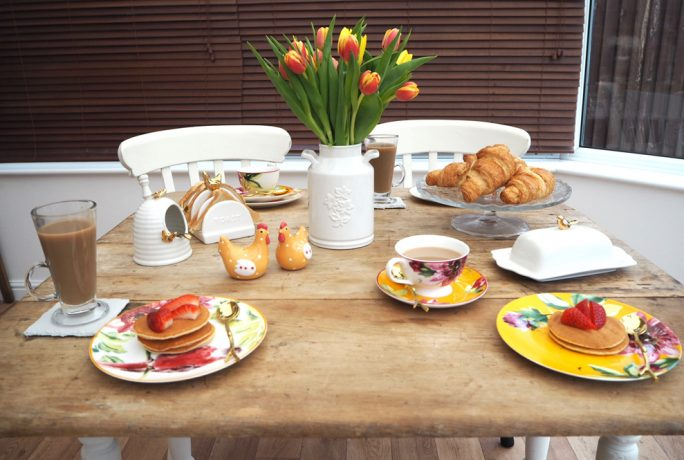 Dove Cottage Floral Heritage Breakfast Accessories