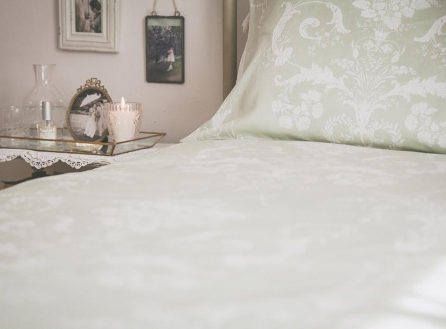 laand linen