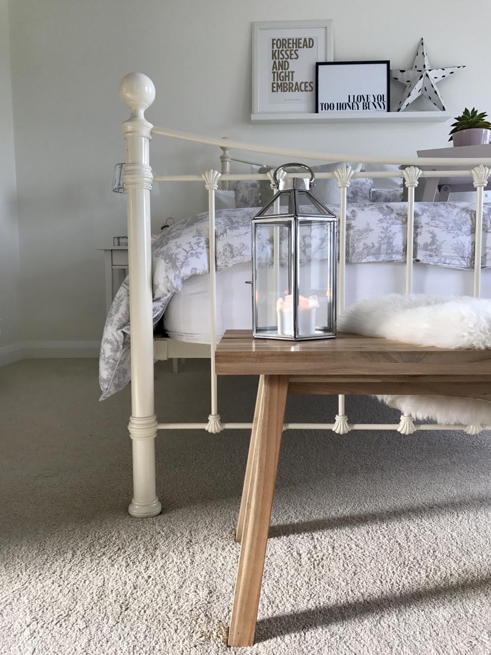 French Grey Lifestyle Silver Silhouette Collection Home Accessories