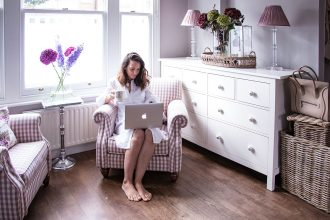 Sara & Catherine's Tales Blogger Crush