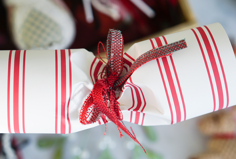 The Ordinary Lovely Christmas Crackers Decorating Accessories