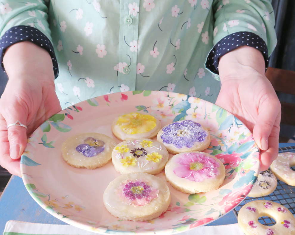 The Twinkle Diaries Spring Florals Shortbread Recipe