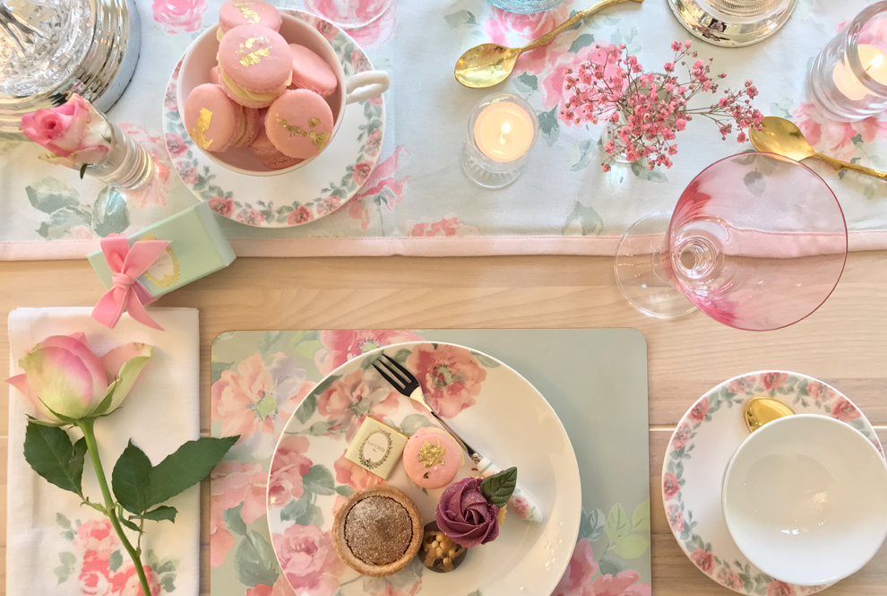 The Vintage Room Marvellous Macaroons Baking Accessories