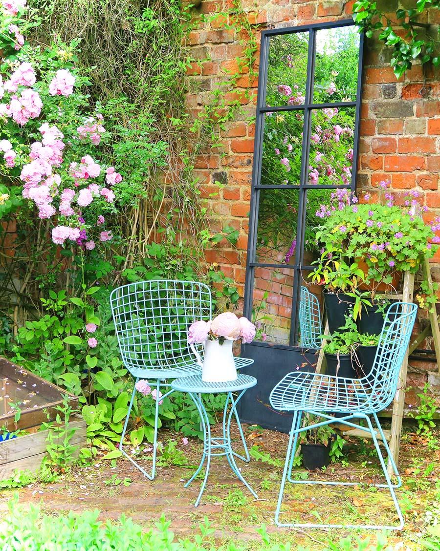 Garden_Mirror_Seating