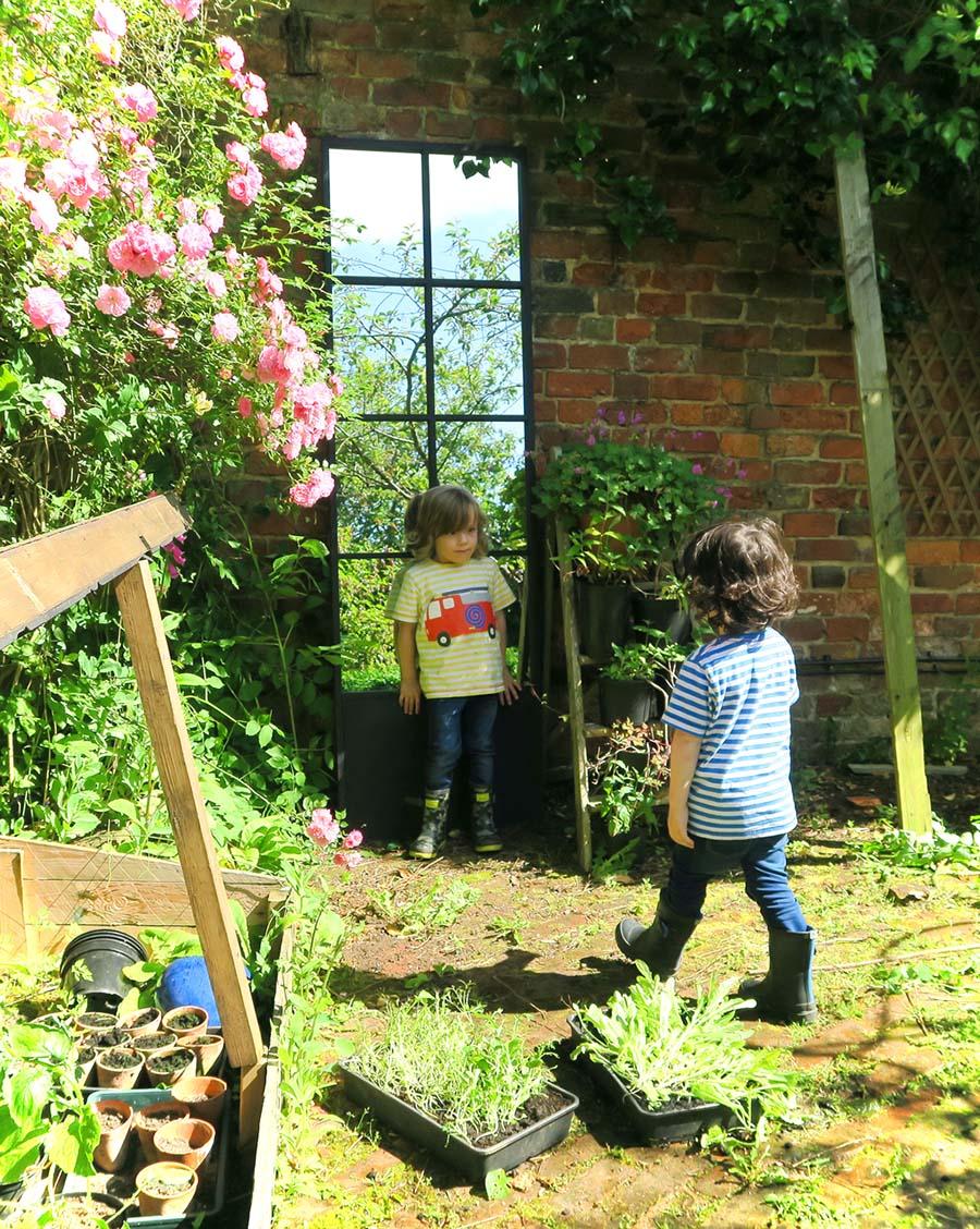 Garden_Mirror_Twins