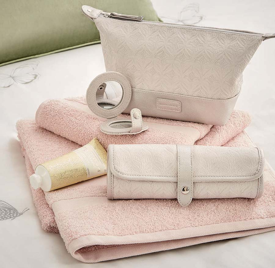 How To Do A Spa Day At Home Accessories