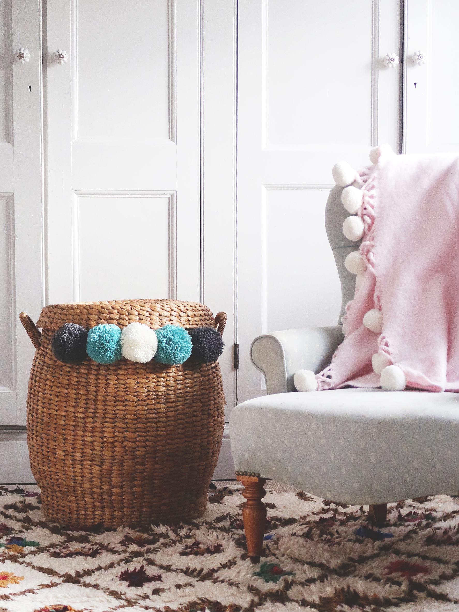 pom_pom_making_basket_in_room