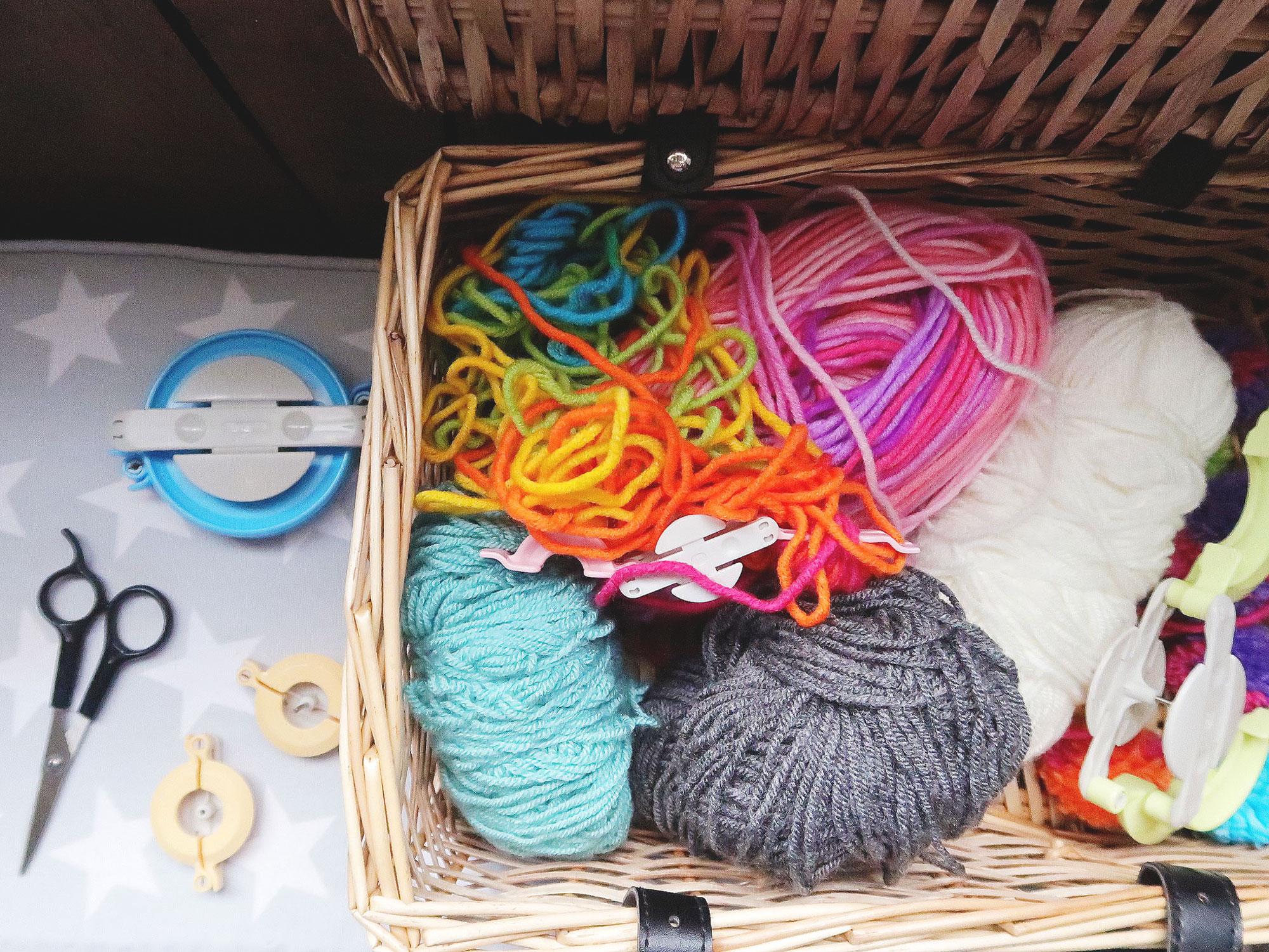 pom_pom_making_knitting_basket