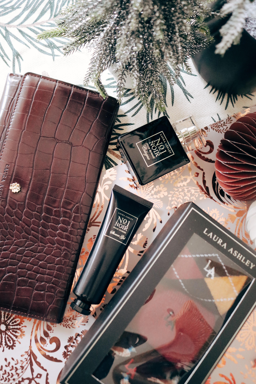 Laura Ashley gift Ideas for Him Wallet Socks Cologne Shower Gel Christmas 2019