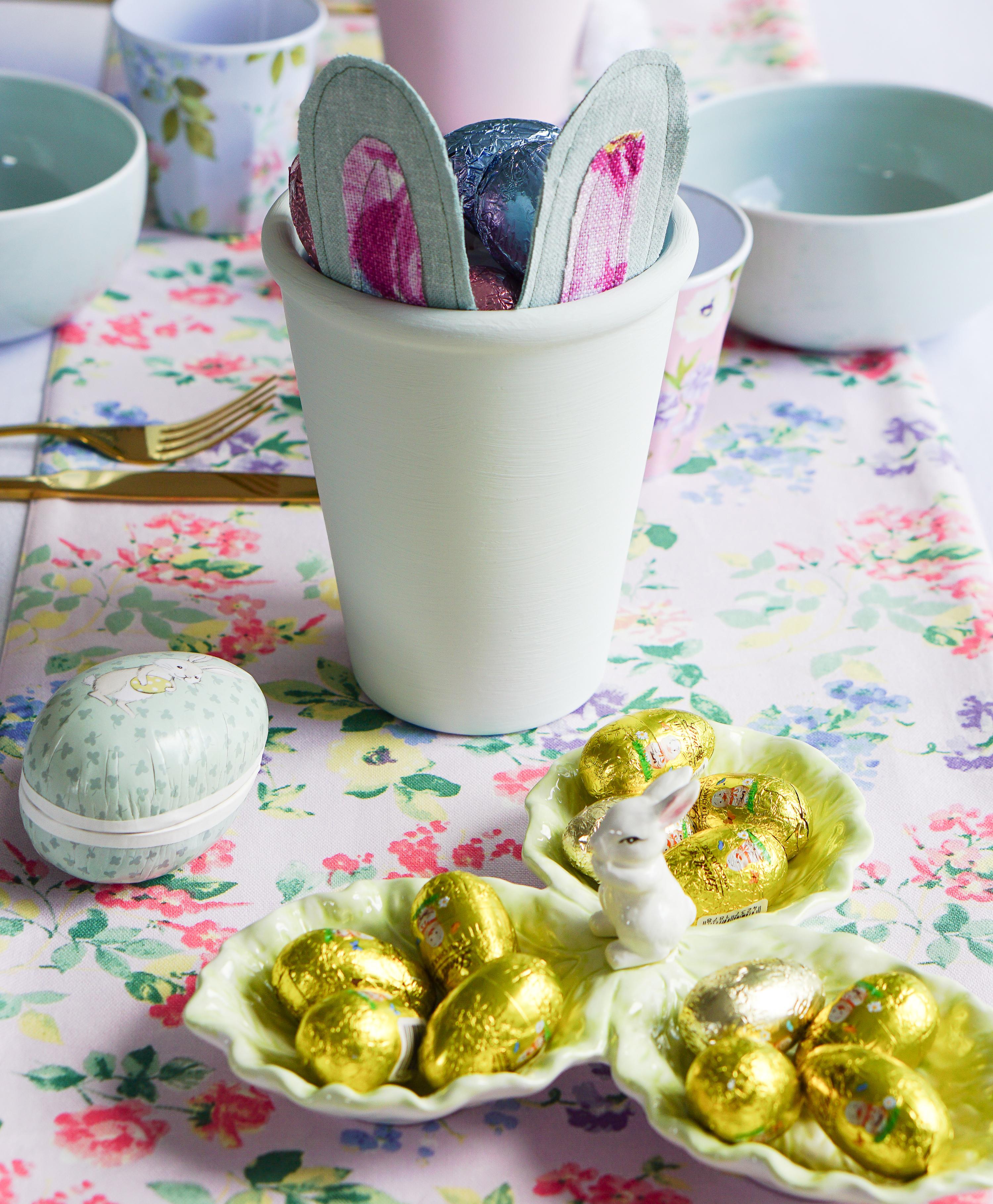Pastel bunny pots 11