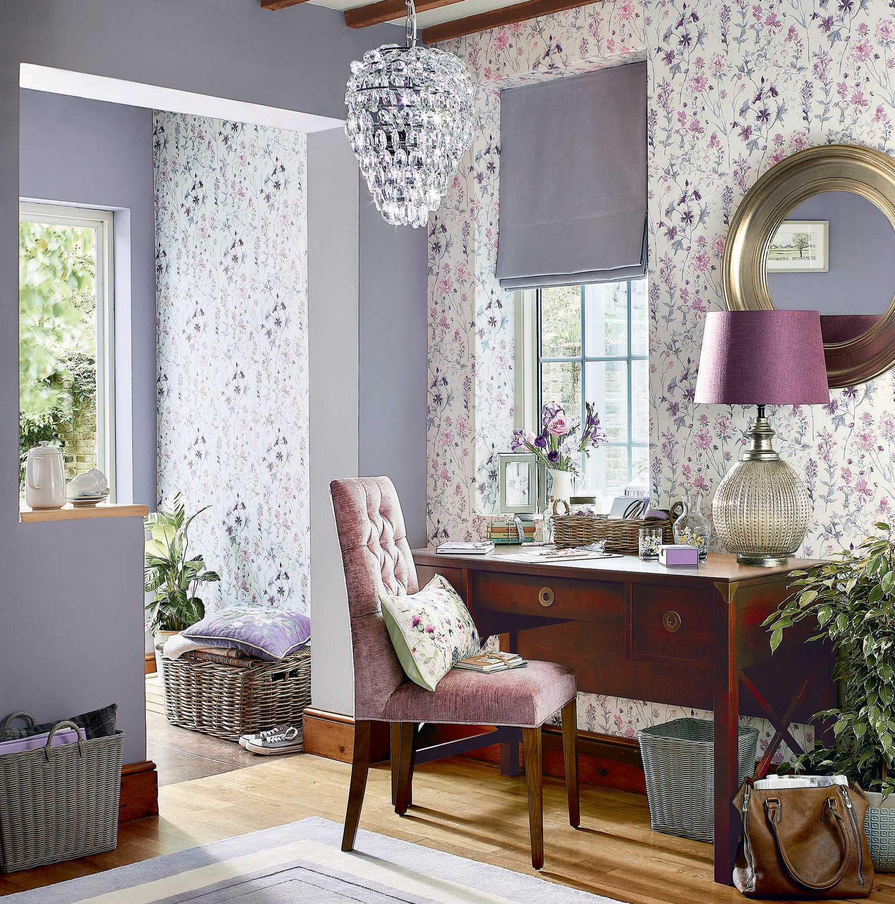 Fun ways to use pink and purple to decorate your interior