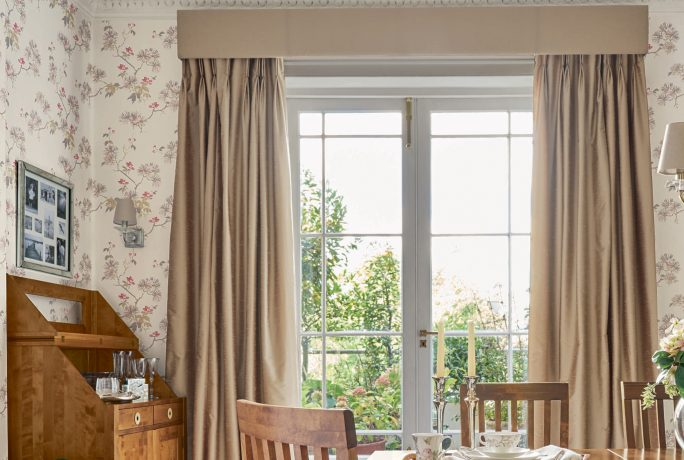 Interior Guide: Top Tips for Ordering to Made to Measure Curtains