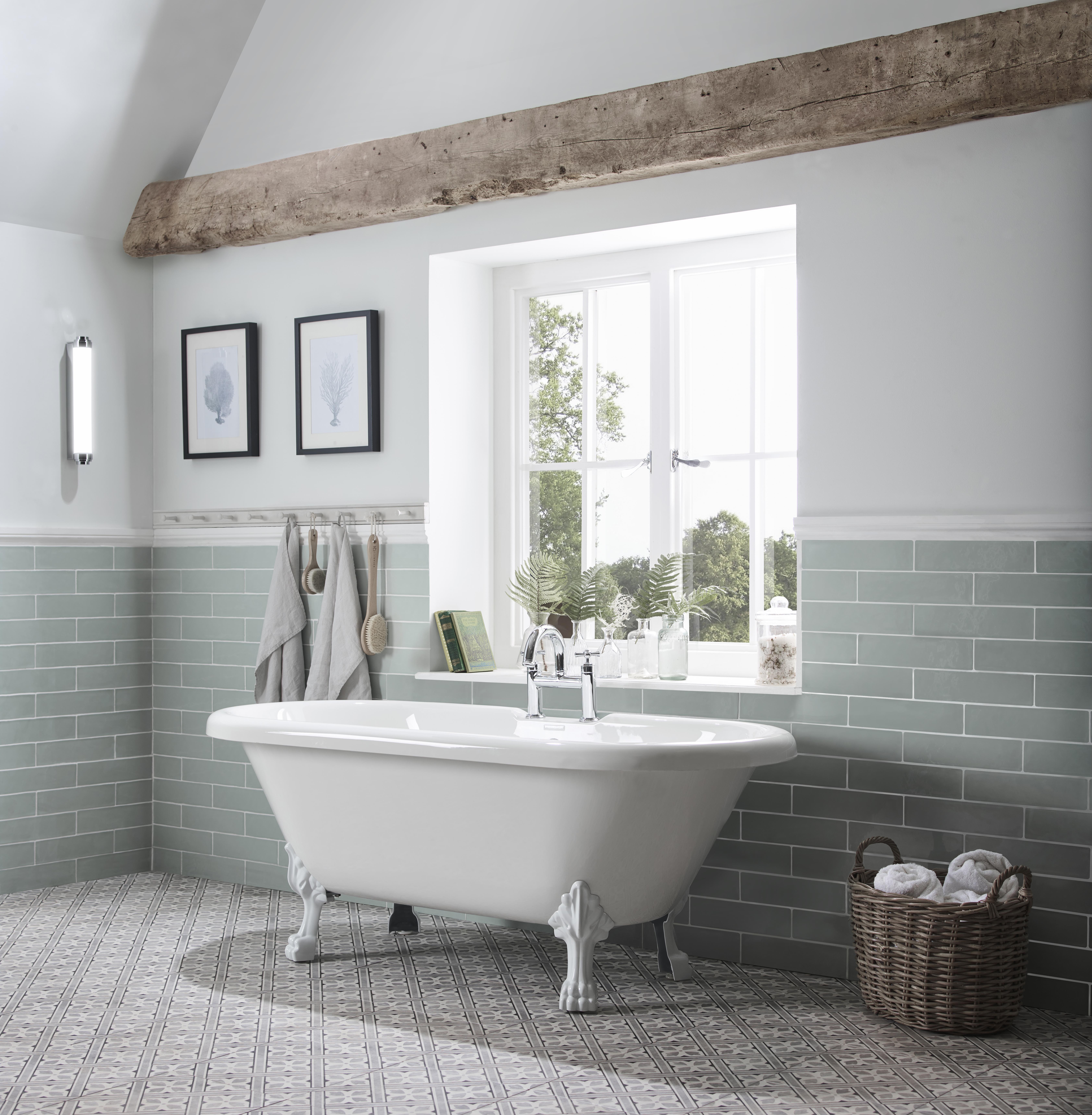 Fairfield bath tub lifestyle