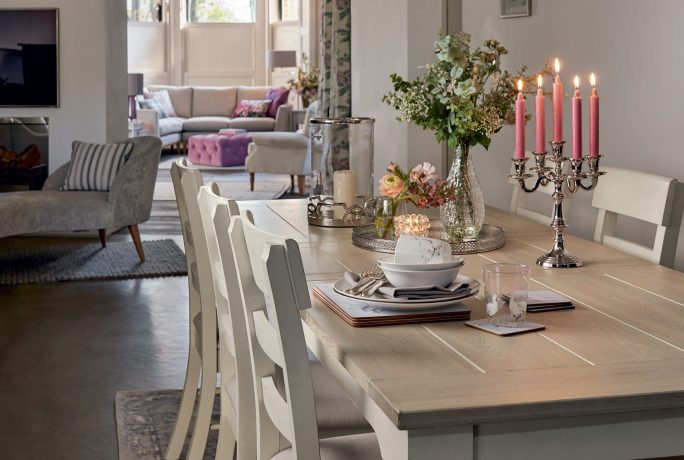 Tips for creating a country garden interior
