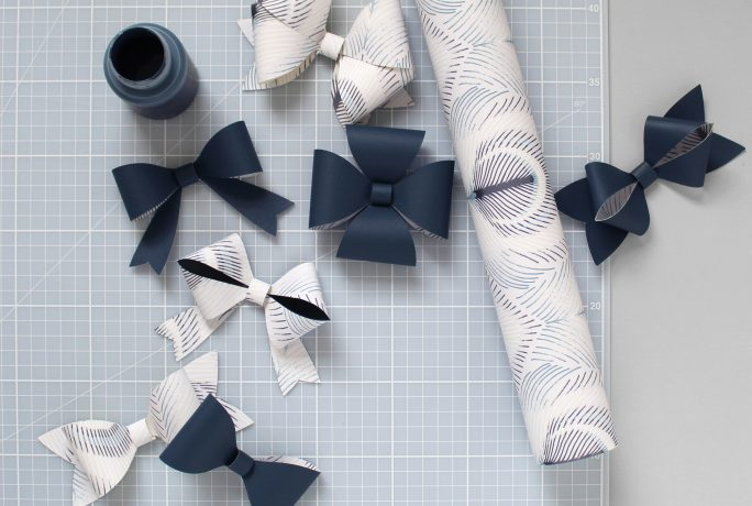 How to make amazing wallpaper bows