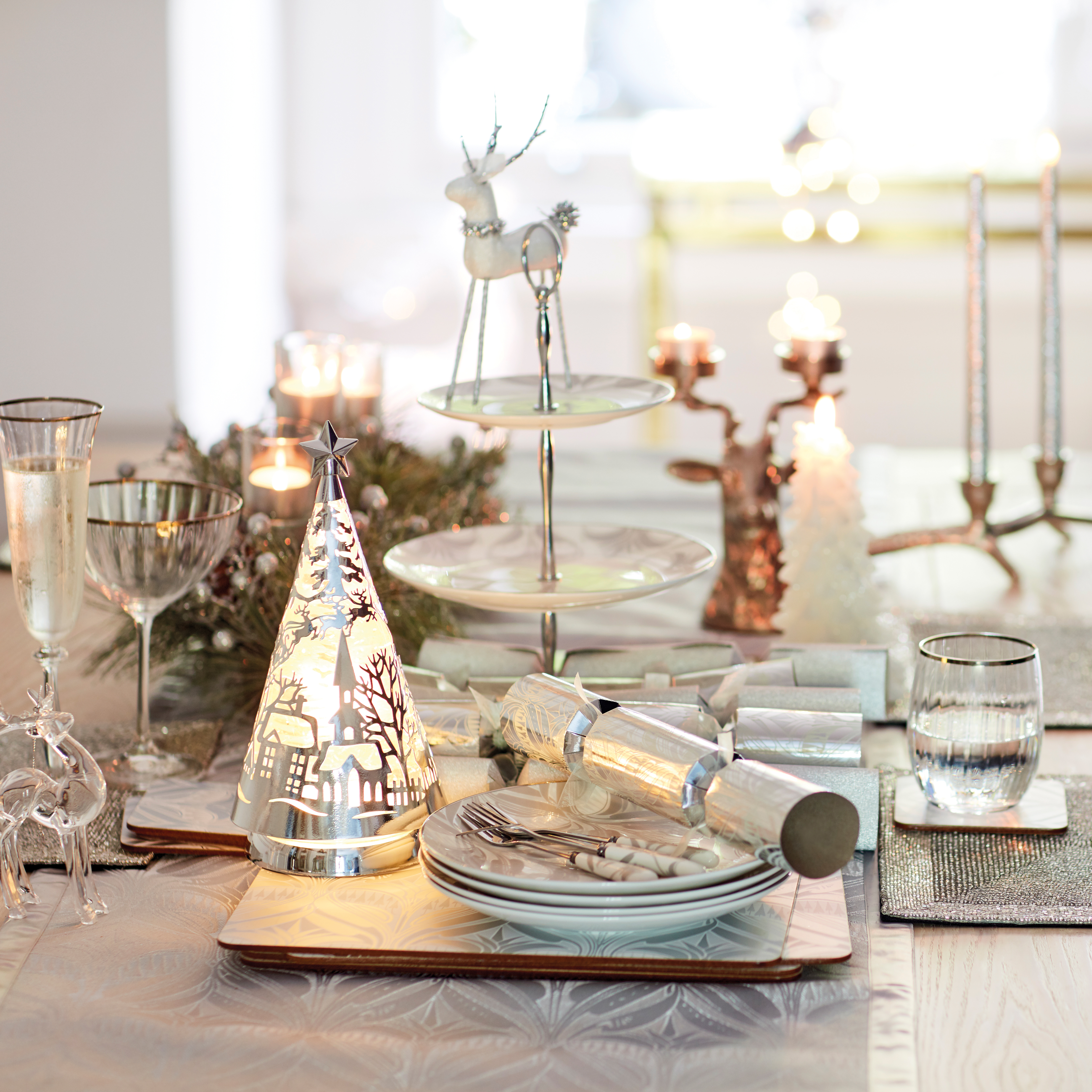 Interesting ways to decorate your home for Christmas