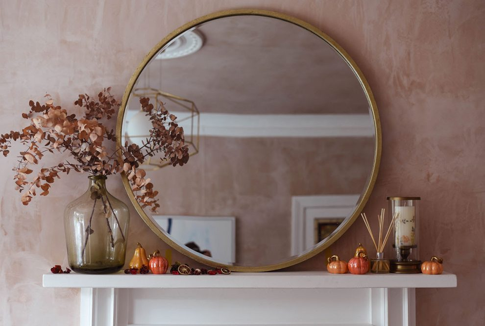 How to Style an Autumn Fireplace