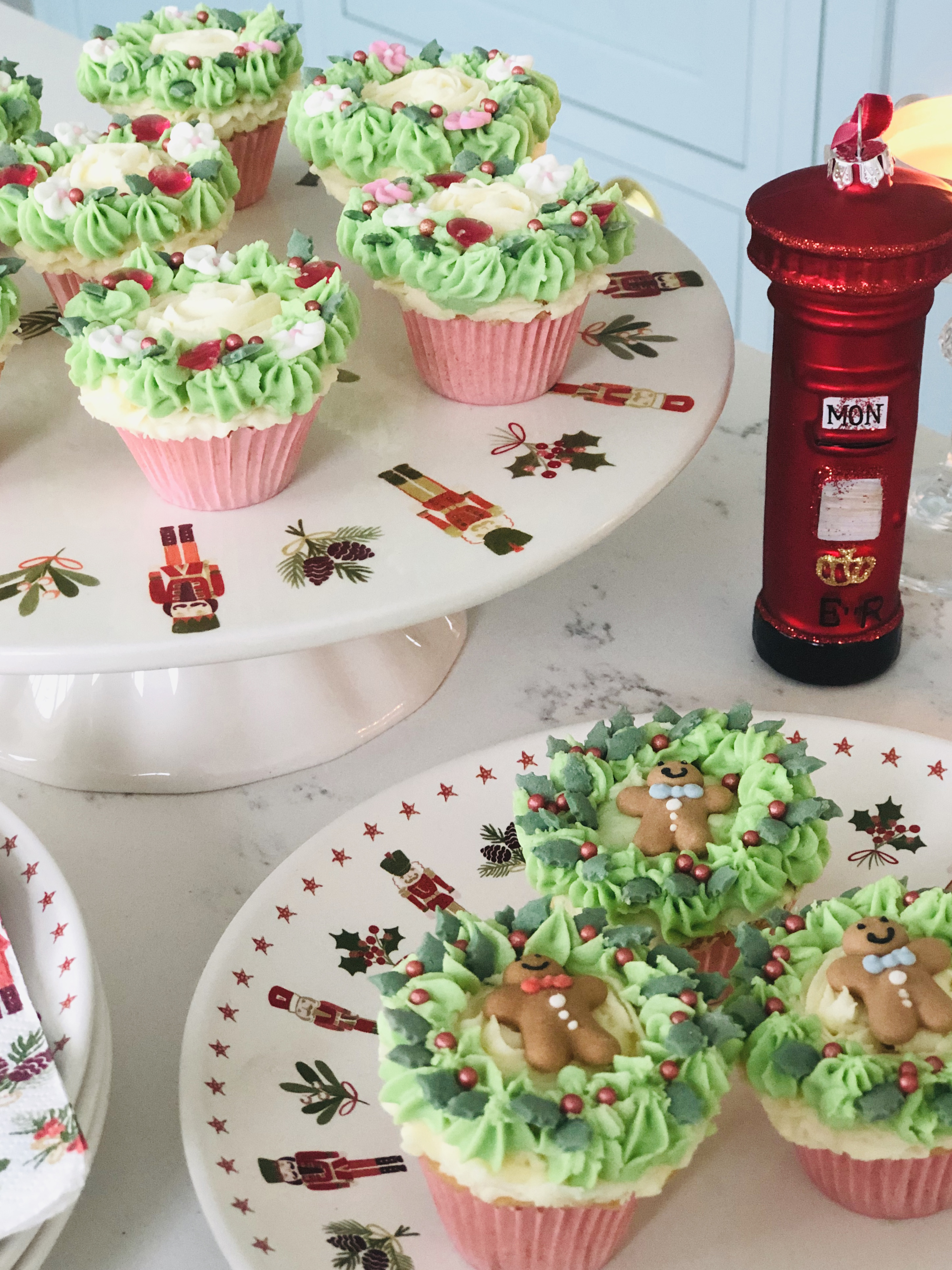Festive Christmas Wreath Cupcakes