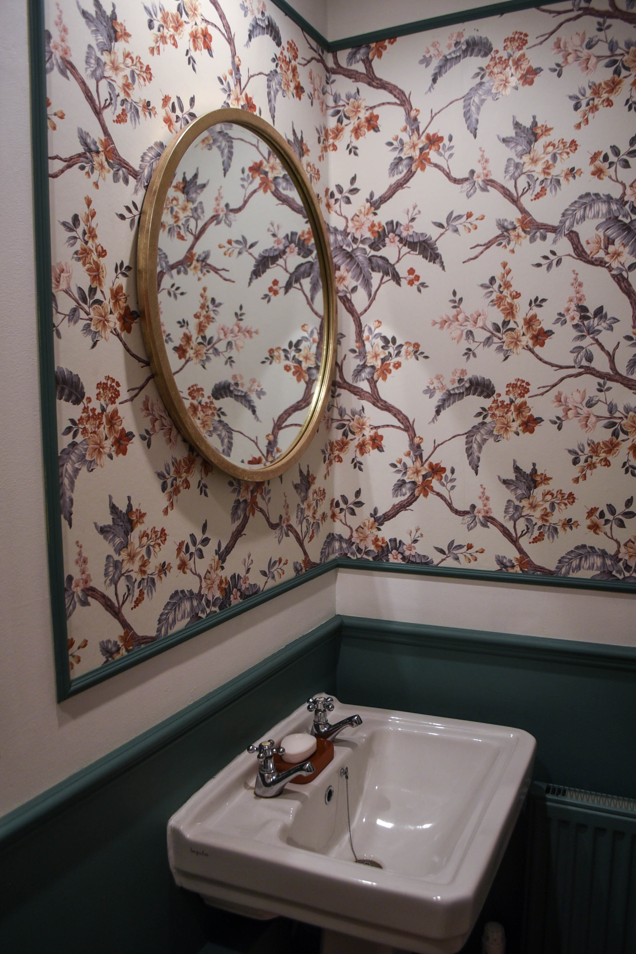 Powder room makeover - panelled Laura Ashley Florintine Natural wallpaper - before and after - Thankfifi Scottish Interiors Blog-11