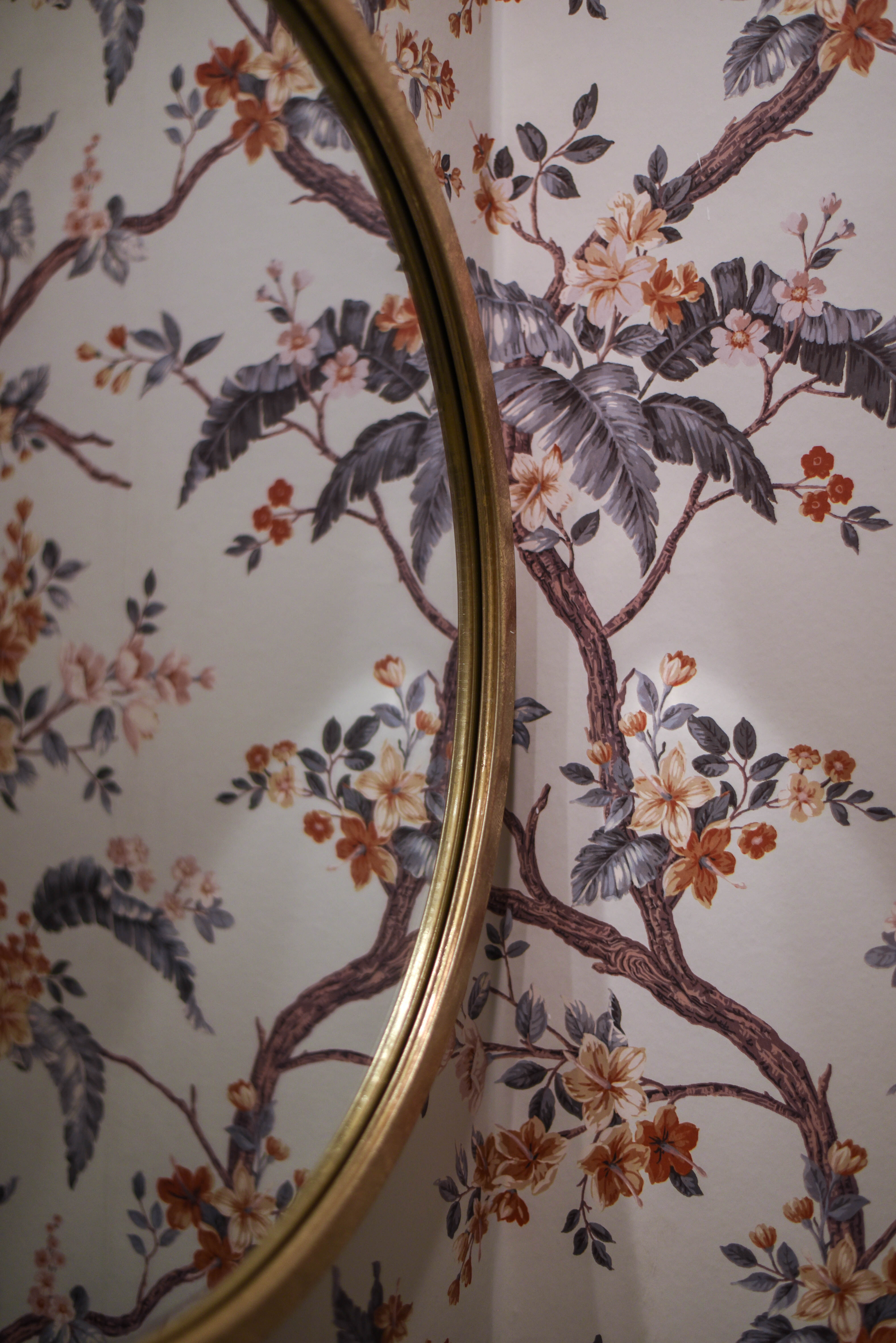 Powder room makeover - panelled Laura Ashley Florintine Natural wallpaper - before and after - Thankfifi Scottish Interiors Blog-13