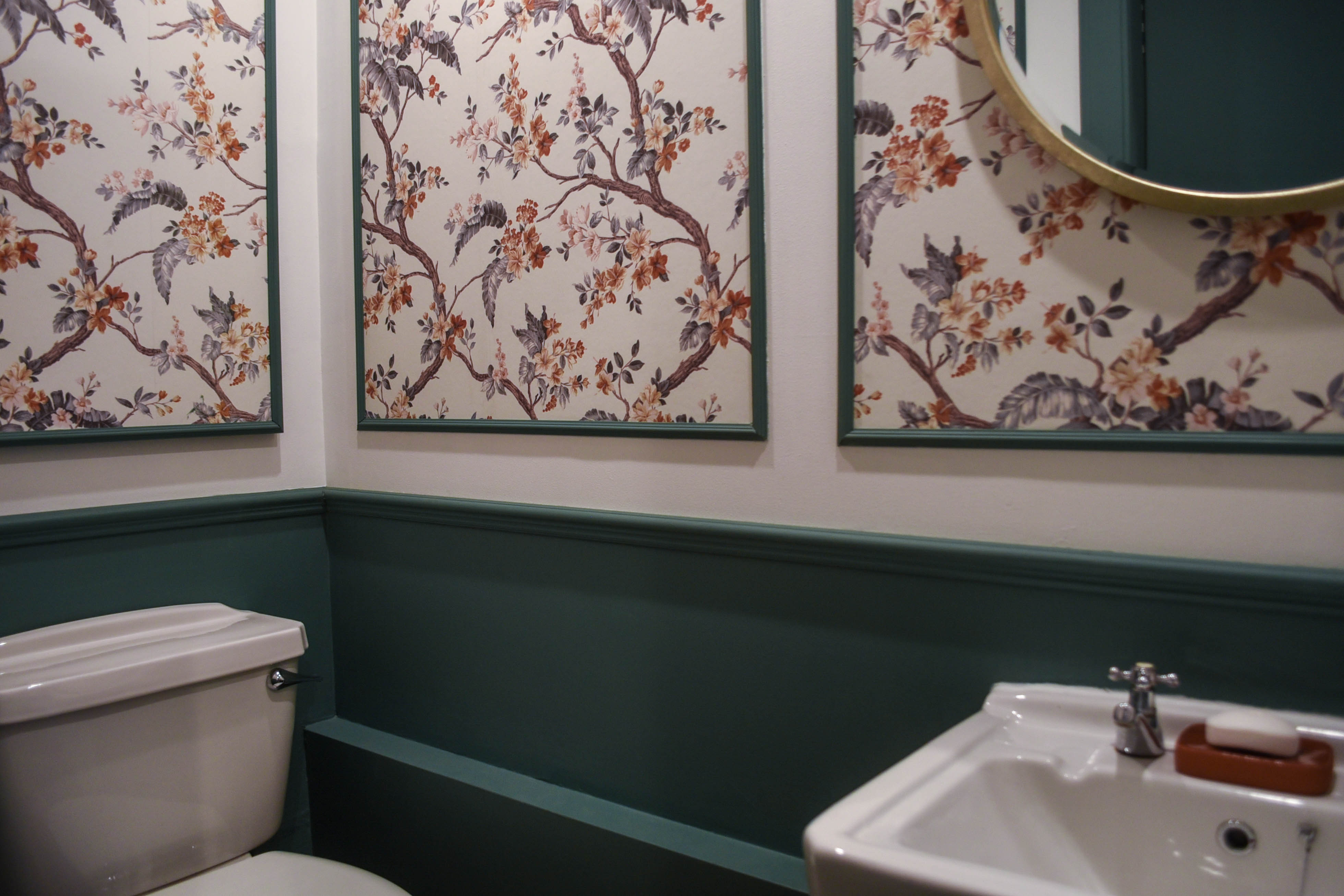 Powder room makeover - panelled Laura Ashley Florintine Natural wallpaper - before and after - Thankfifi Scottish Interiors Blog-9